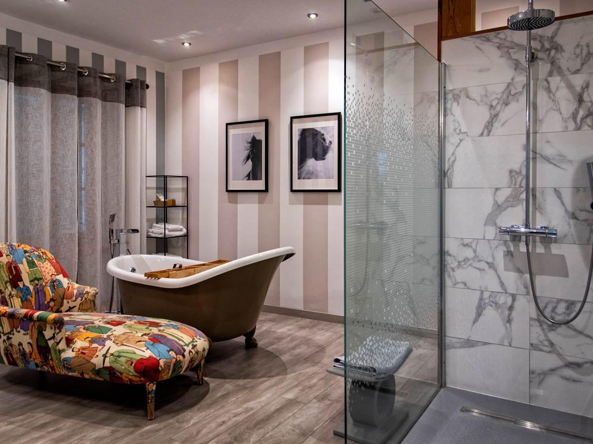 EPONA Bath Salon (c) M Dartenset