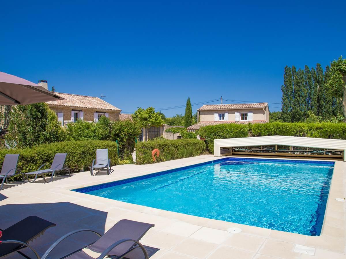 piscine commune   12x6 couverte en demi saison
