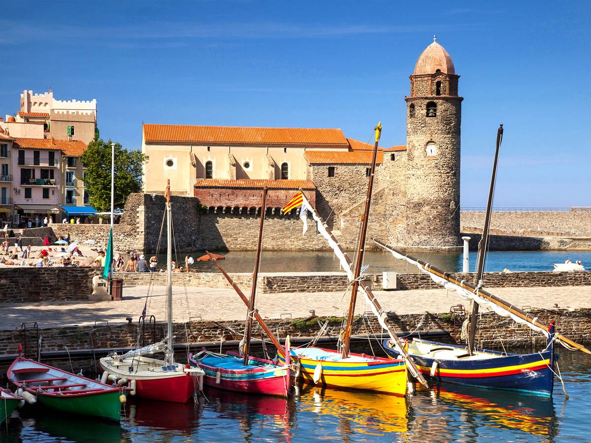 Collioure et ses barques catalanes