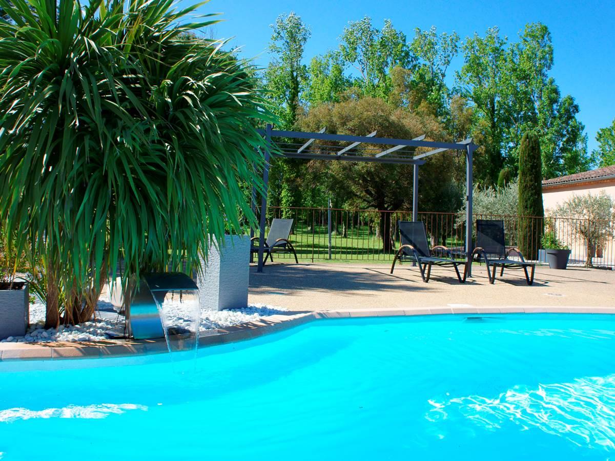 Piscine hotel residence les peupliers loriol du comtat splasworld monteux