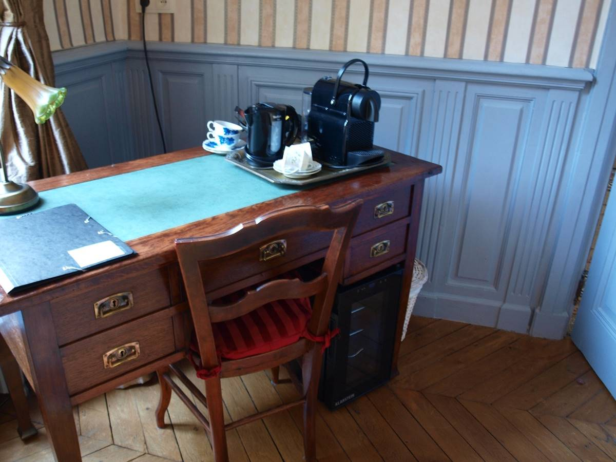 Chambre Cèdre Bureau