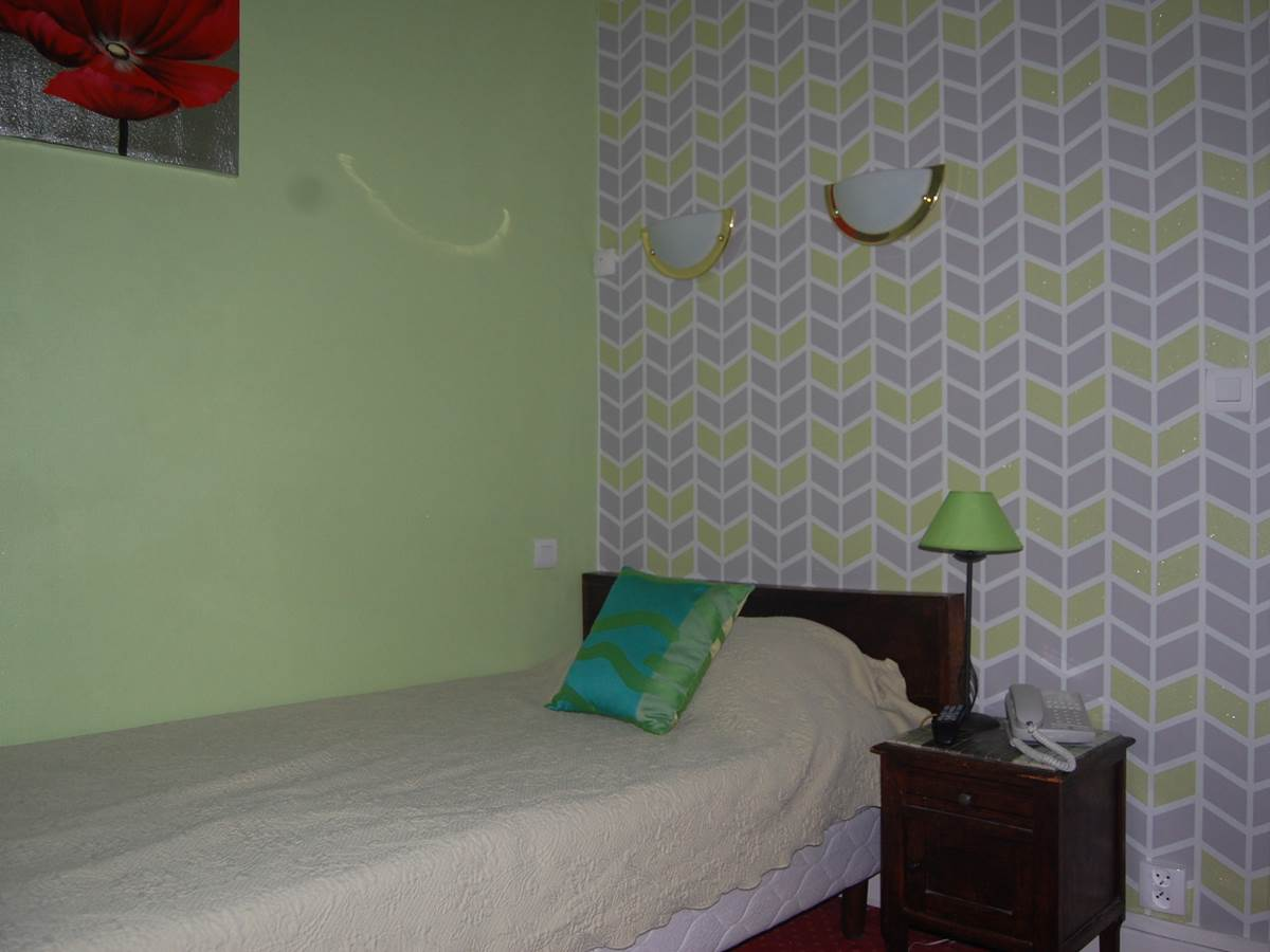 Chambre 1 personne petit lit Hôtel Jean Bart proche rue Fleurus rue Madame rue Vaugirard rue Assas 75006 Paris