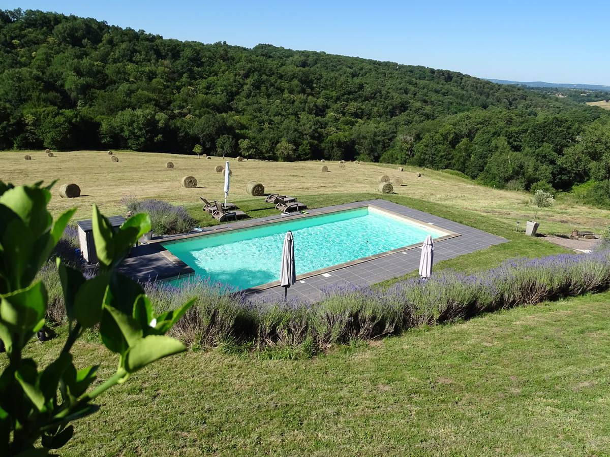Les instants voles - jacuzzi privatif - piscine chauffee