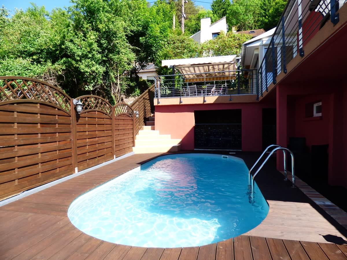 Vue piscine 2 Chambres d'Hôtes La Colline aux Yeux Doubs