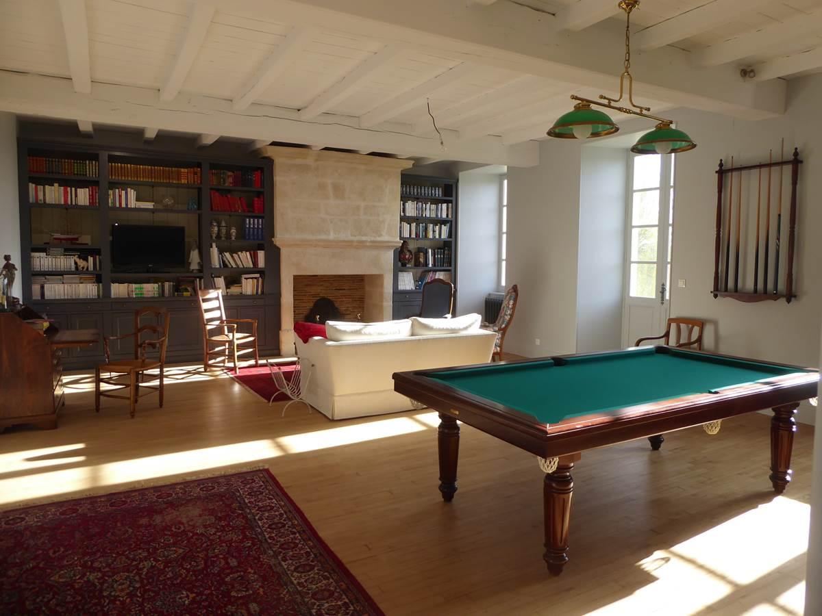 Grand salon, bibliothèque et billard