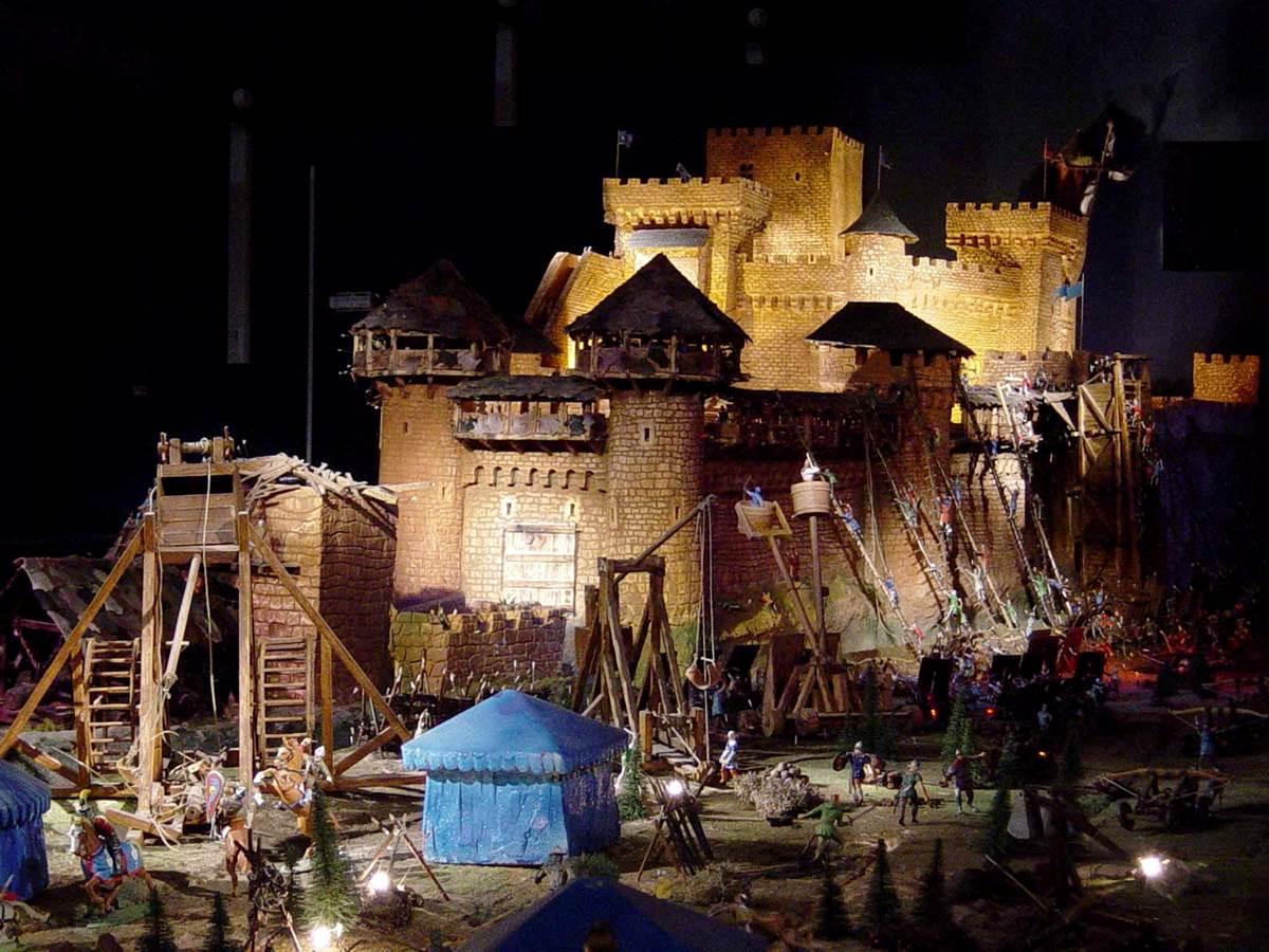 Feeriland à Veyrac, maquette de château féodal ©hauteviennetourisme