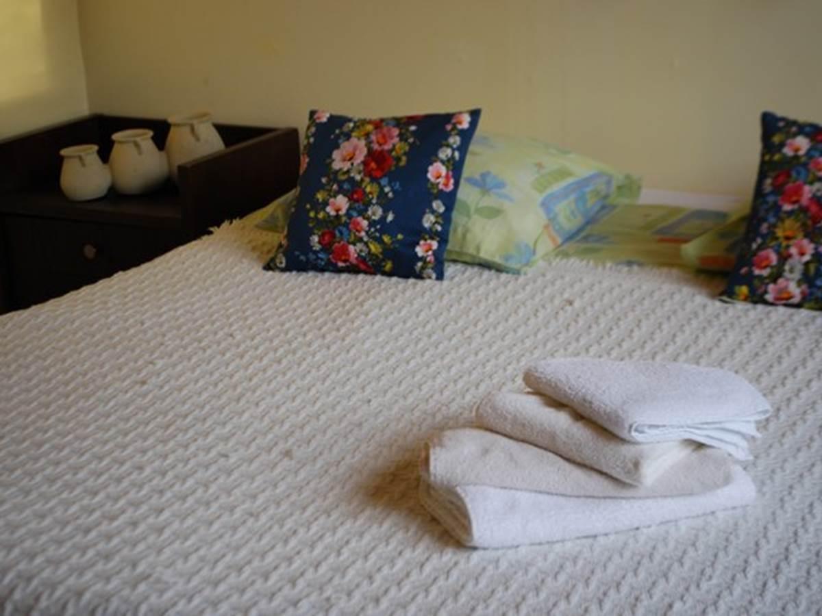 chambre double Maison Masjoubert lit de 1,80m x2,00m