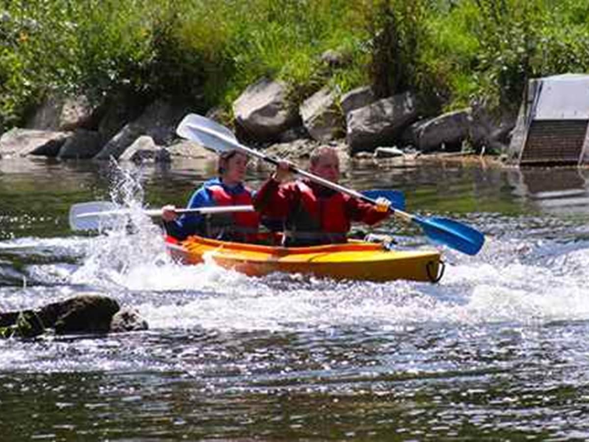 Kayak Les Remous à mi chemin entre HAMOIR & XHIGNESSE  10' à pieds