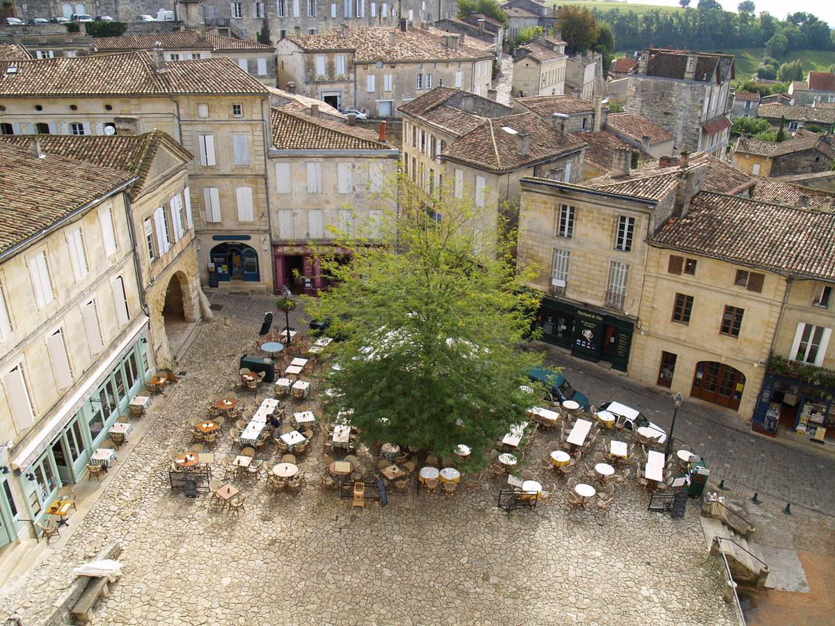 Saint-Emilion: cité médiévale classée au patrimoine mondial de l'Unesco