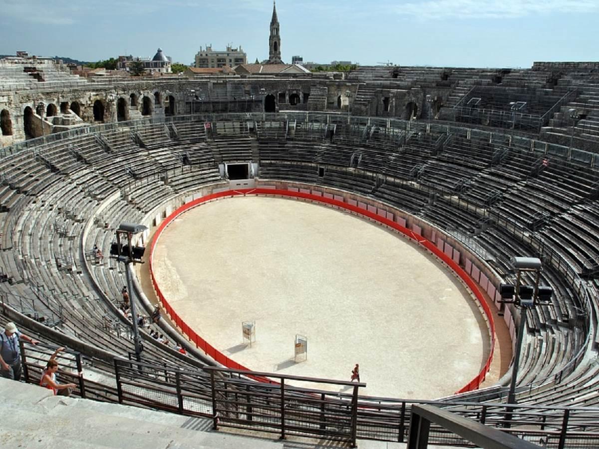 amphitheatre-929948_960_720