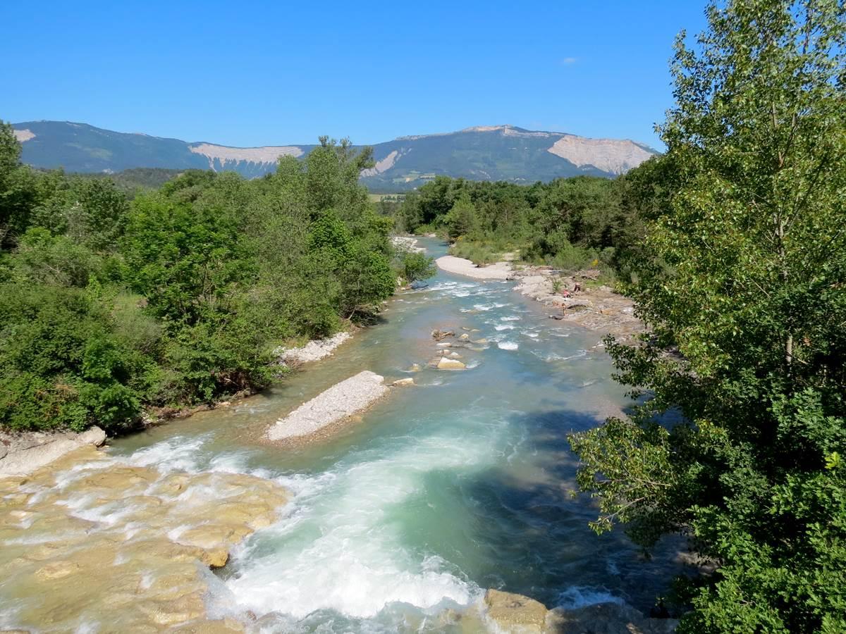 Rivière Drôme à 500mètres du camping