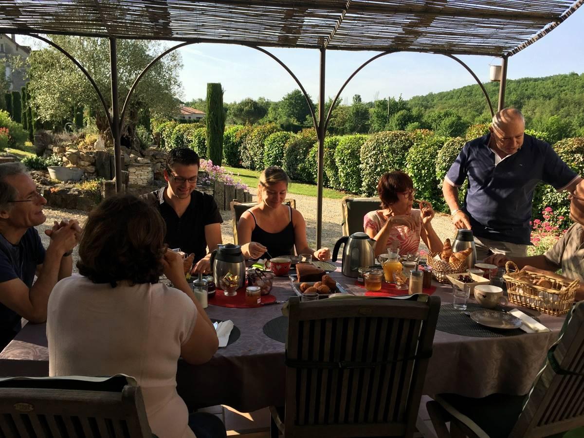 Petits déjeuners à Côté Granges (3)-min
