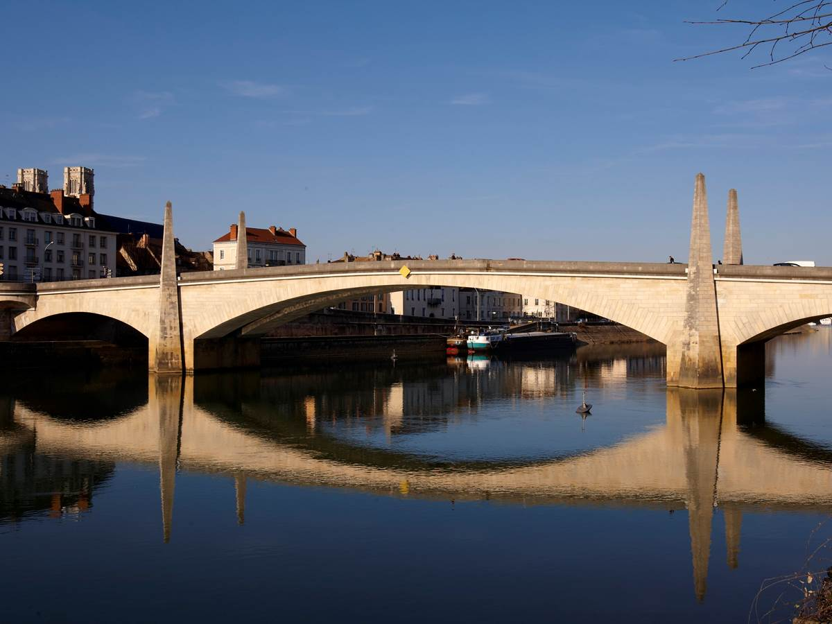 Pont-Saint-Laurent-chalon-sur-sane