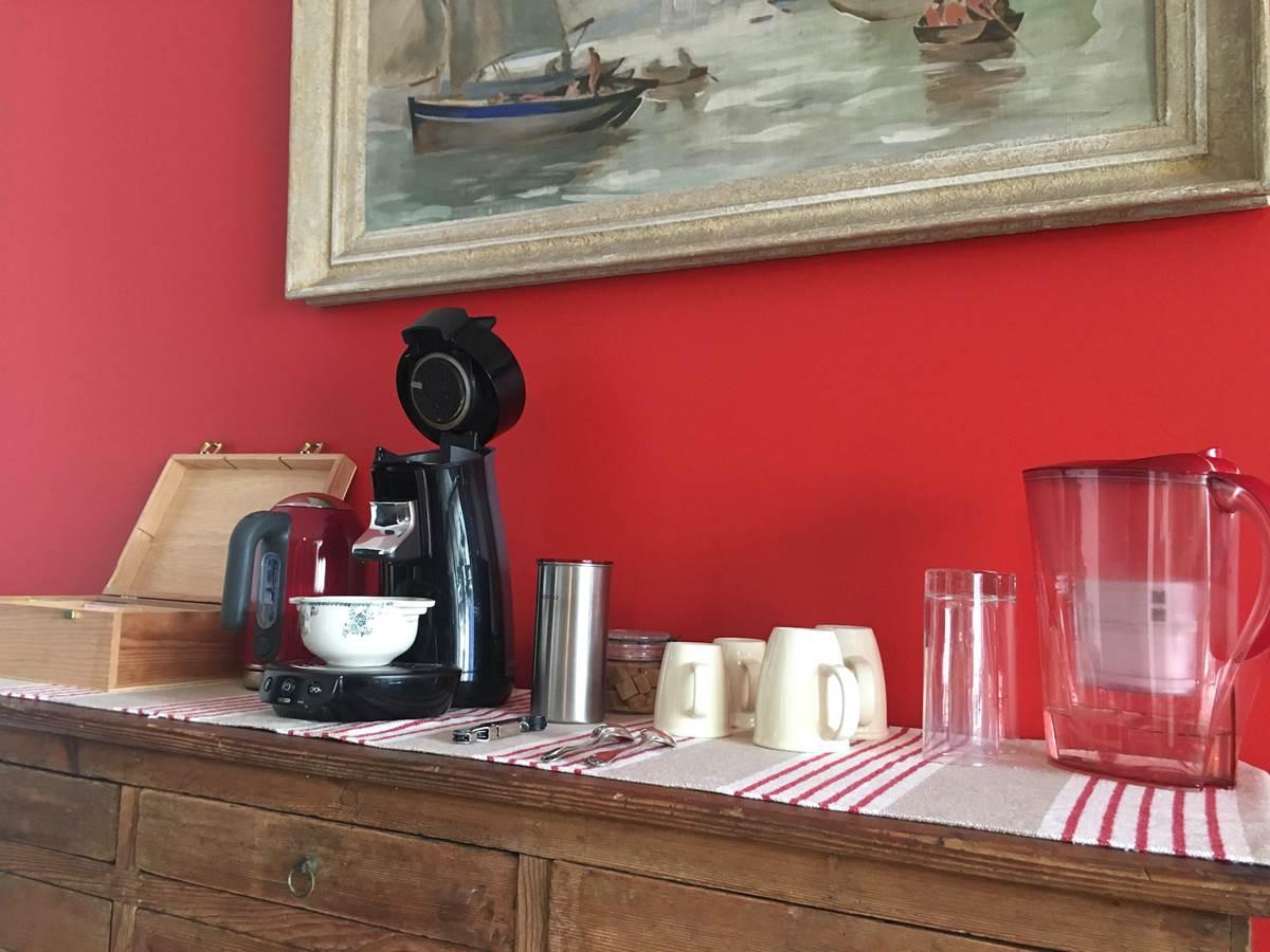 Hebergement-LesNaiades-Oleron-cafe