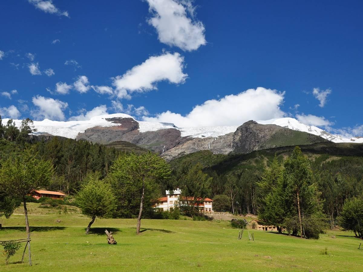 Copacabaña Lodge con un jardin de 70,000 m2