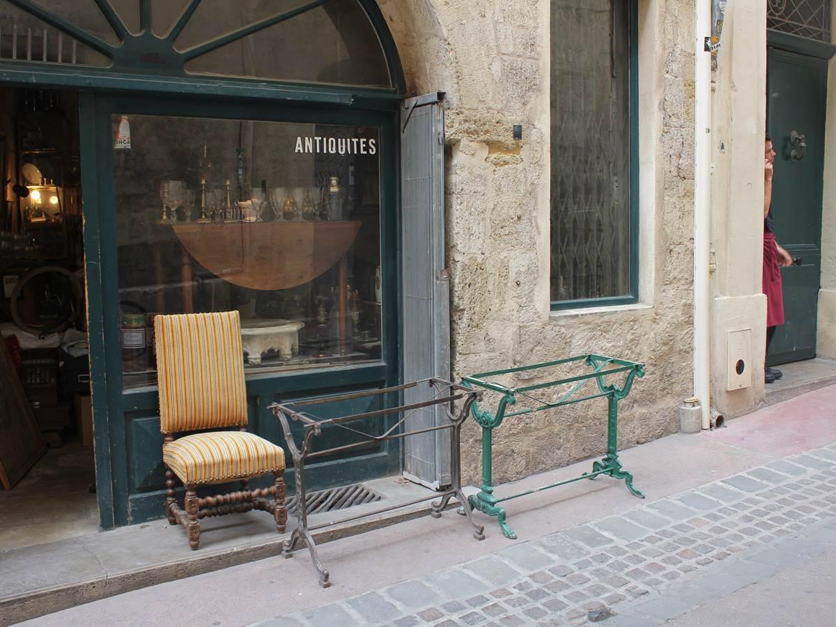 Boutique d'Antiquités rue du plan d'Agde