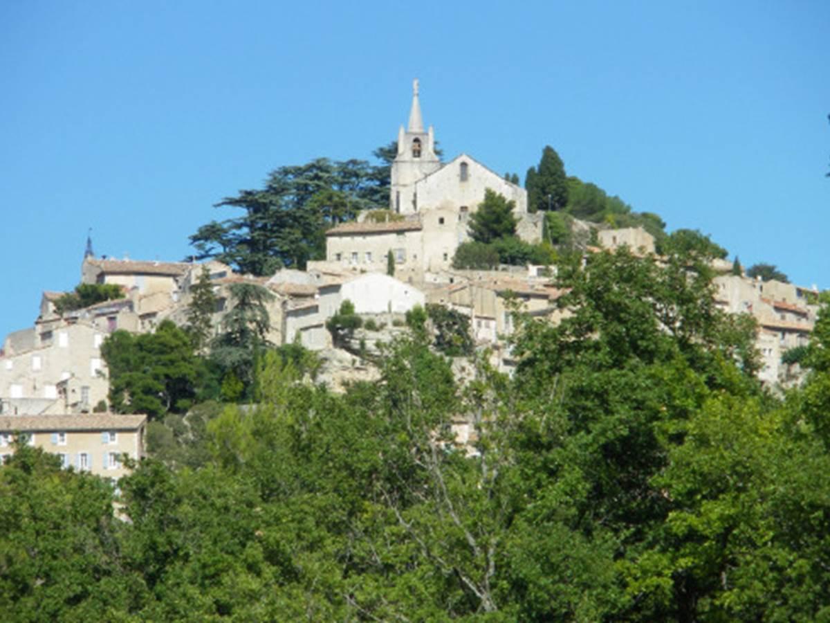 BONNIEUX (Vaucluse) - En Puisaye et ailleurs.....