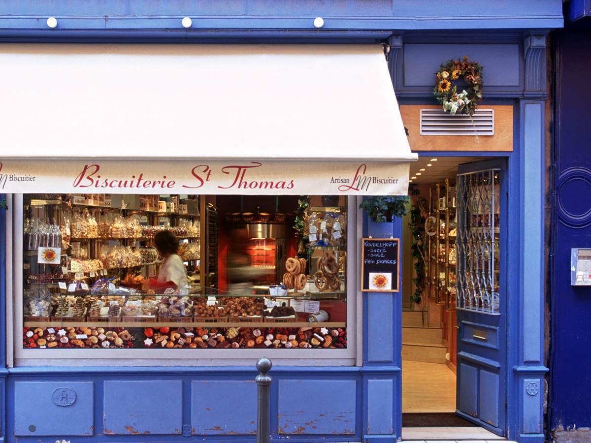 La biscuiterie Saint Thomas rue des Serruriers et ses délicieux gâteaux alsaciens