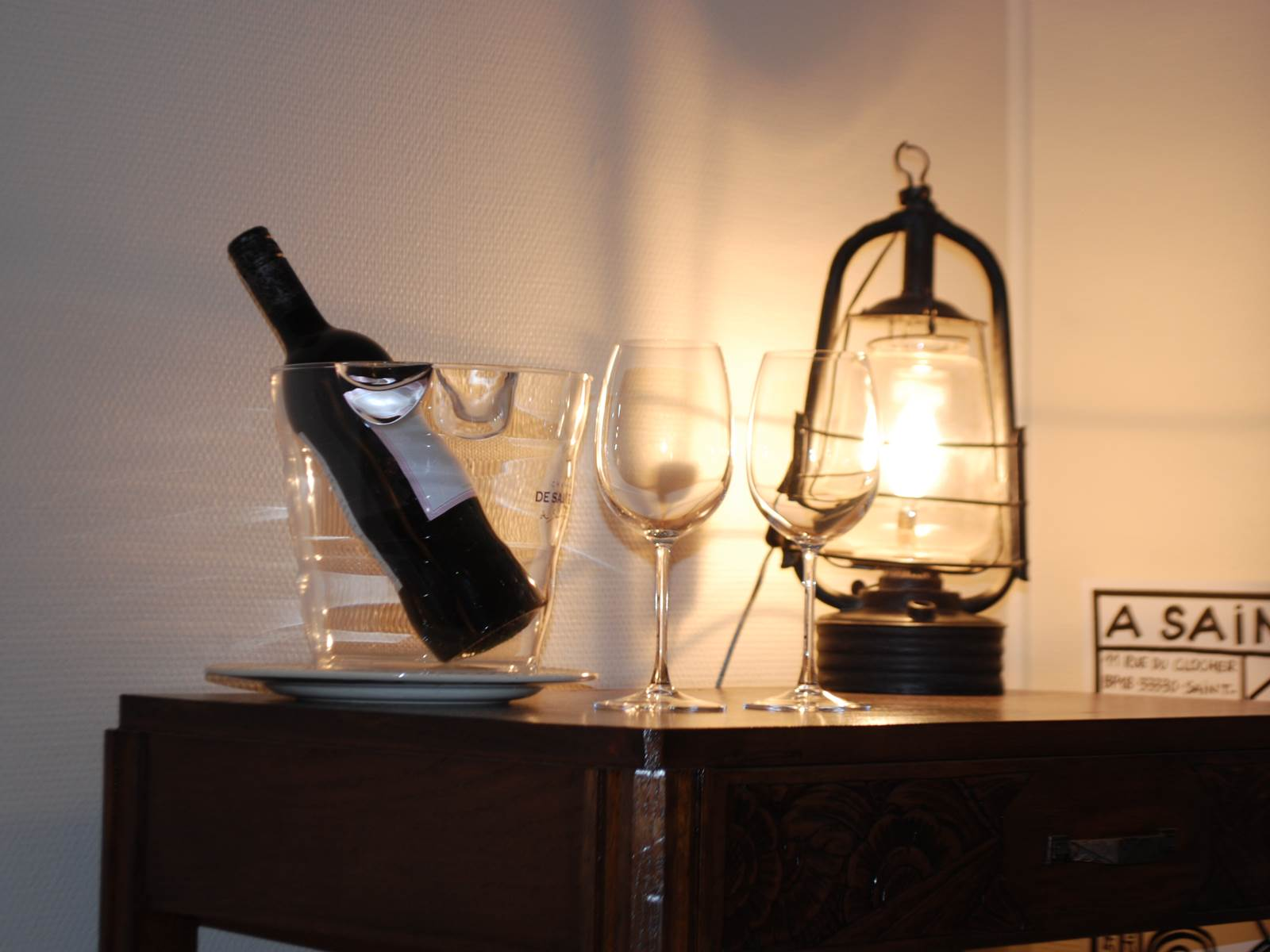 chambre l'R de Rien  un petit verre de vin