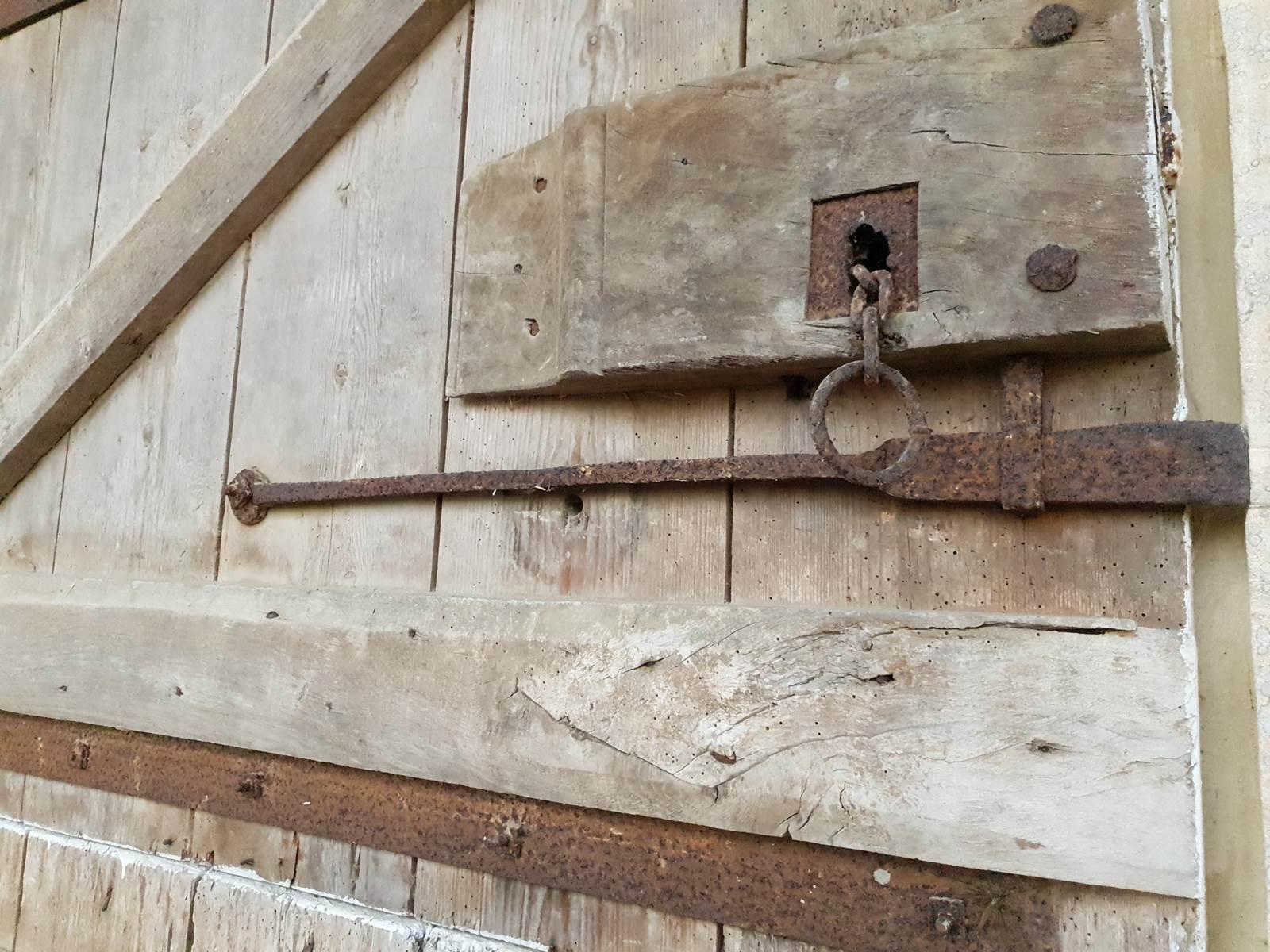 La charme d'une porte anciennne