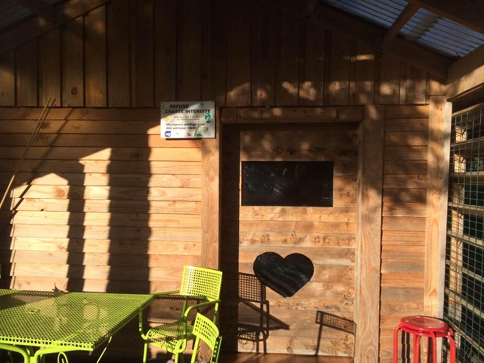 Puy des Bruges, gîte 8 personnes Royère de Vassivière (Creuse) cabane dans les bois