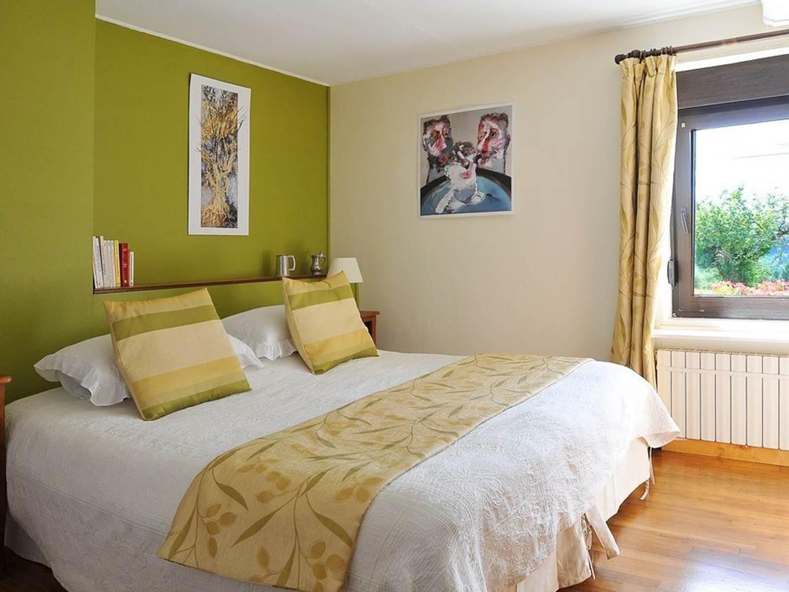 Chambre double Paul Rebeyrolle , lit de 1,80m x 2,00m
