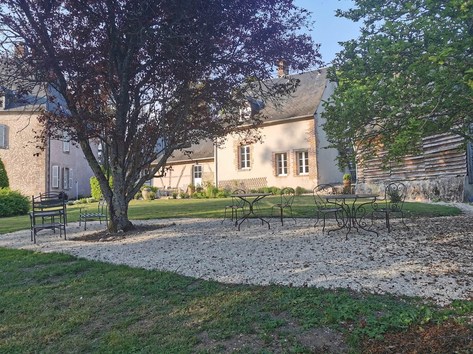 L'Annexe coté jardin la suite familiale en rez de chaussée