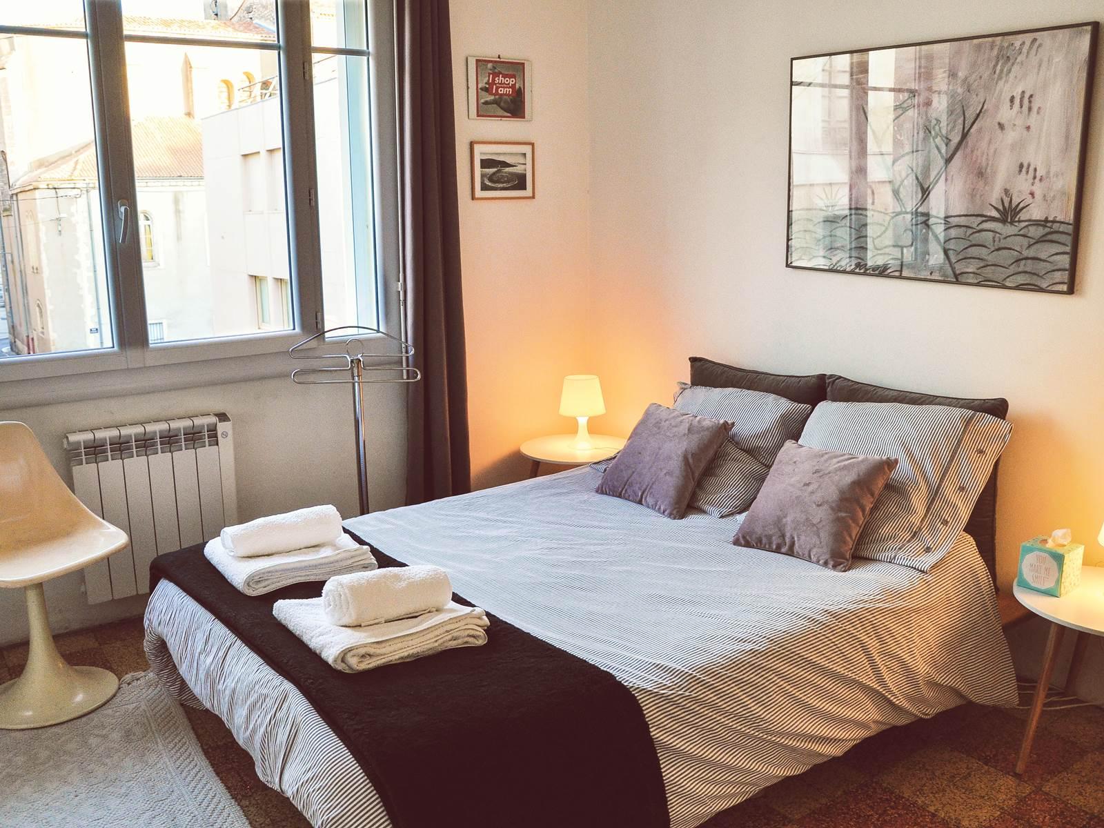 Chez Pepito  la chambre avec le lit 160cm