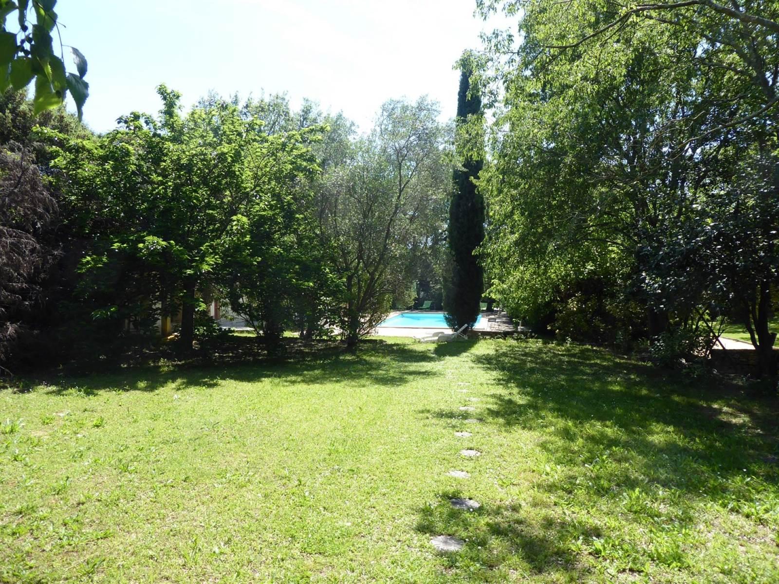 Le jardin côté piscine