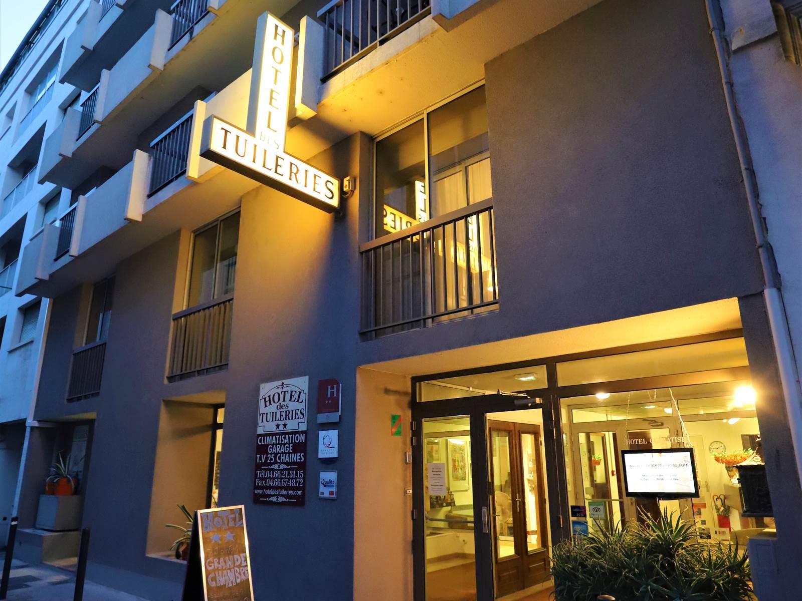 Hotel des Tuileries, centre Nîmes, rue calme proche gare SNCF