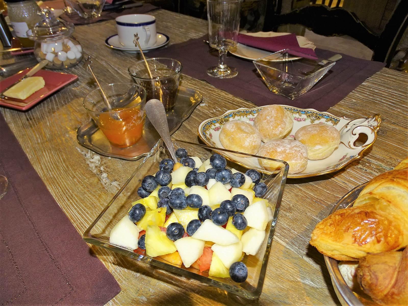 Petit déjeuner au Château de Crocq.