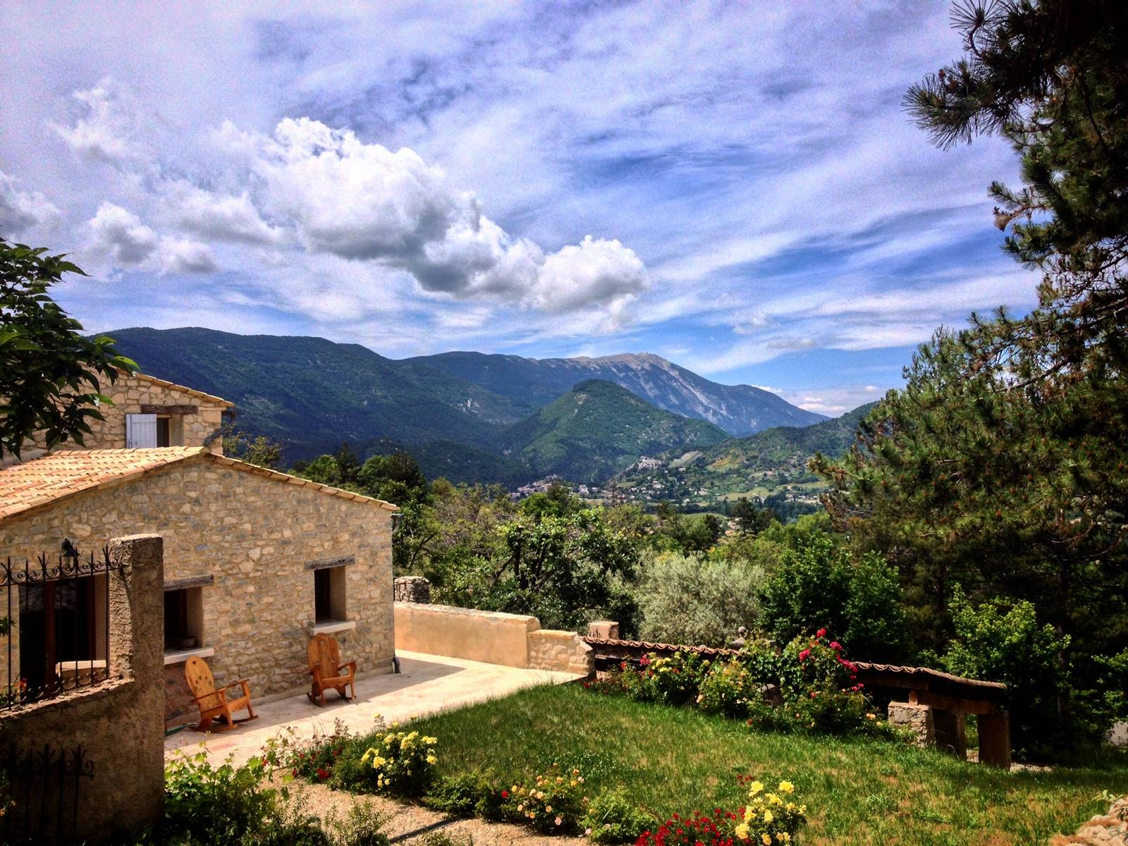 La maison, le Mont Ventoux.