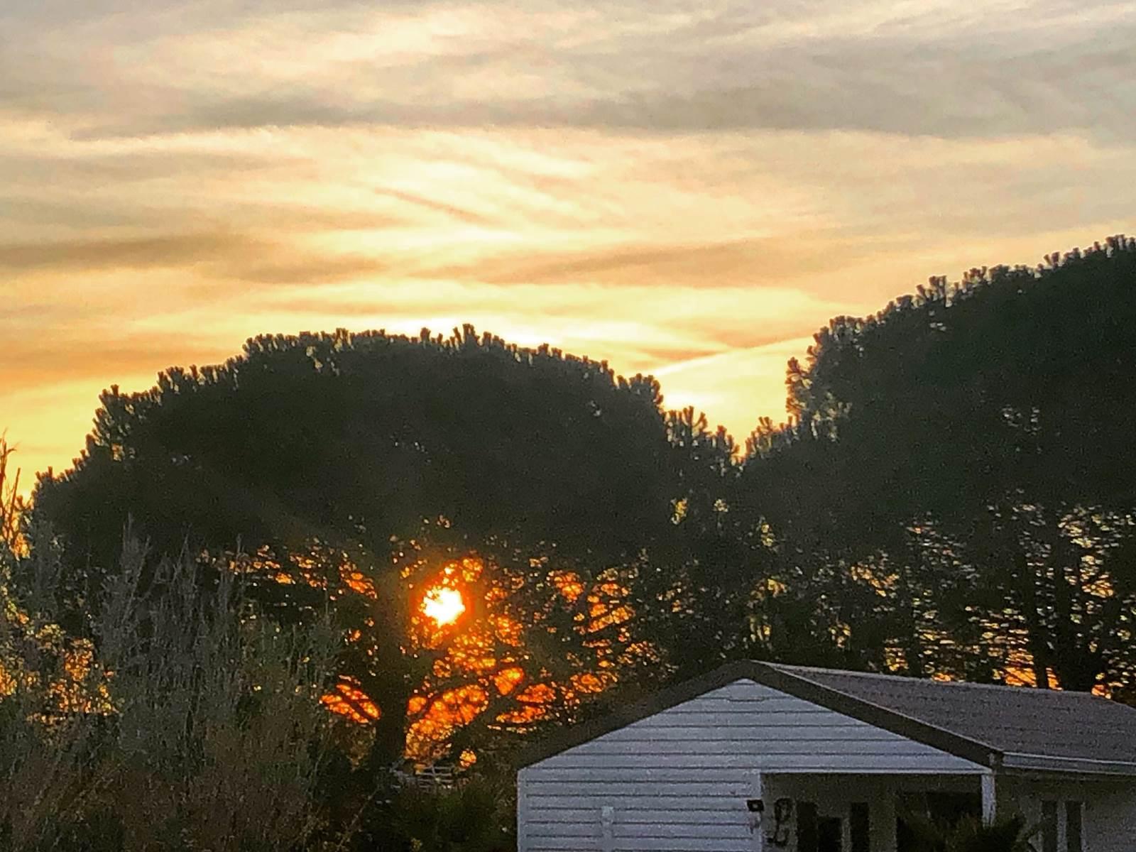 lever du soleil sur la maisonnette