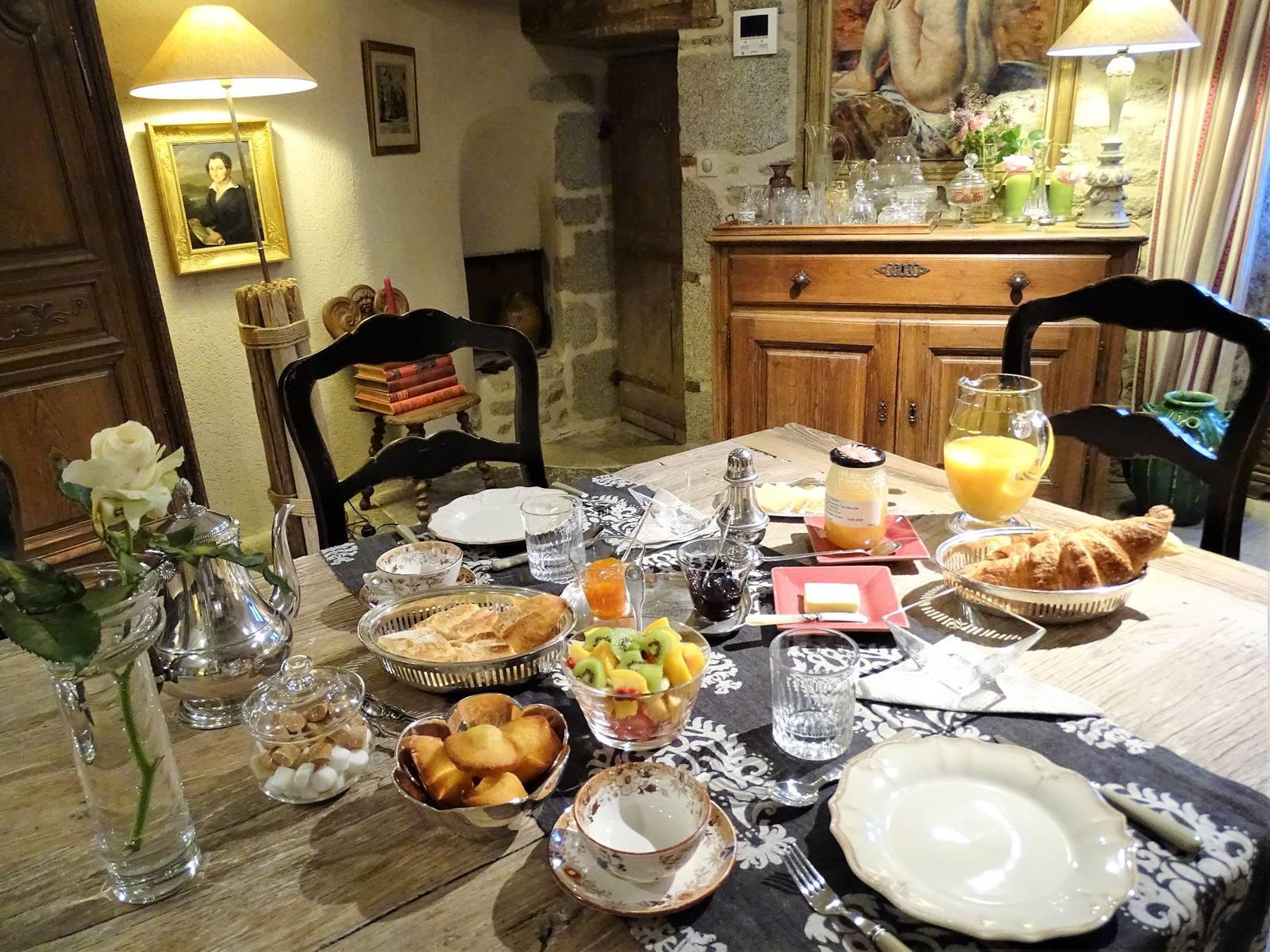Château de Crocq, petit-déjeuner.