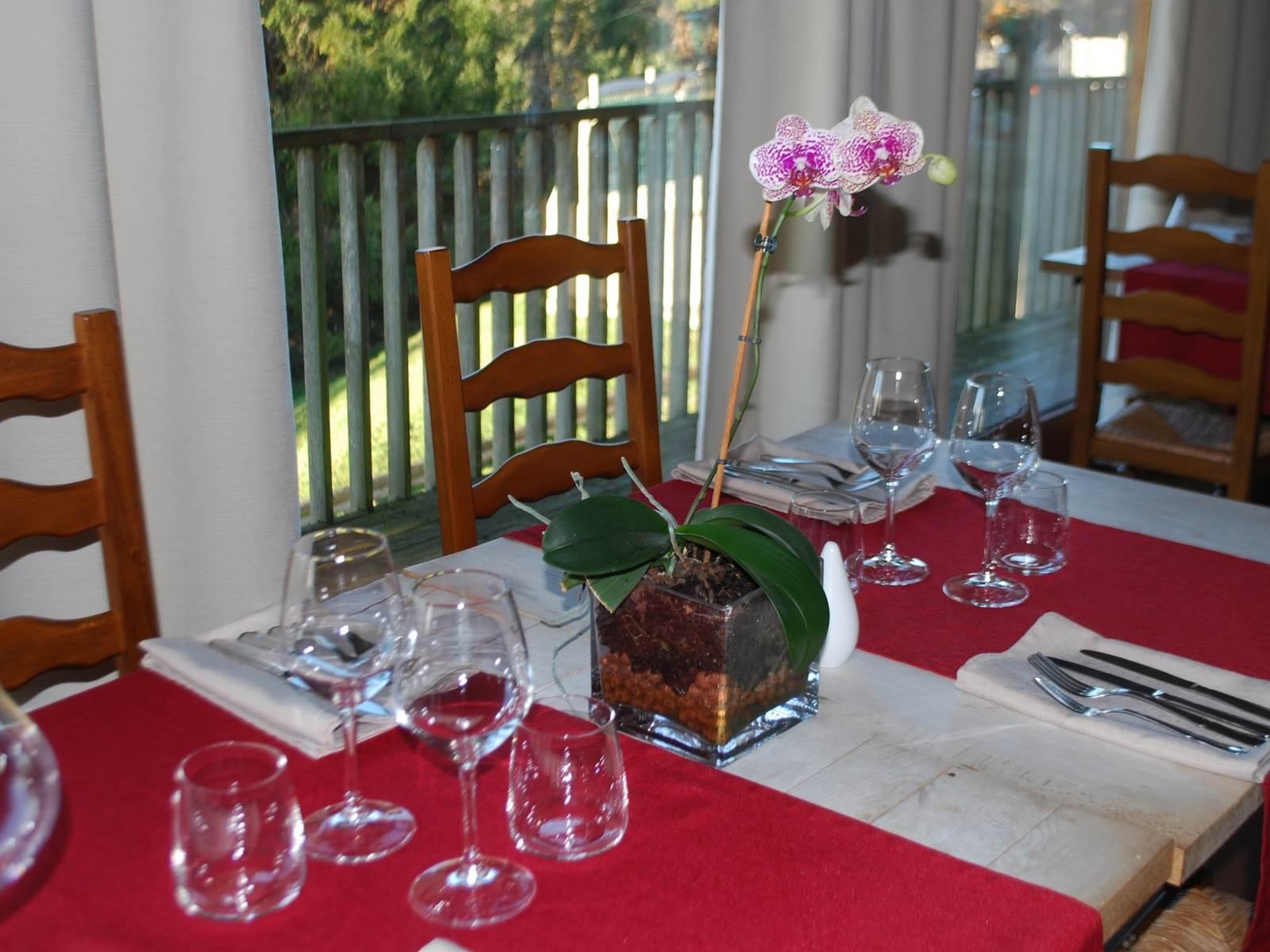 Table au restaurant le Ranch des Lacs