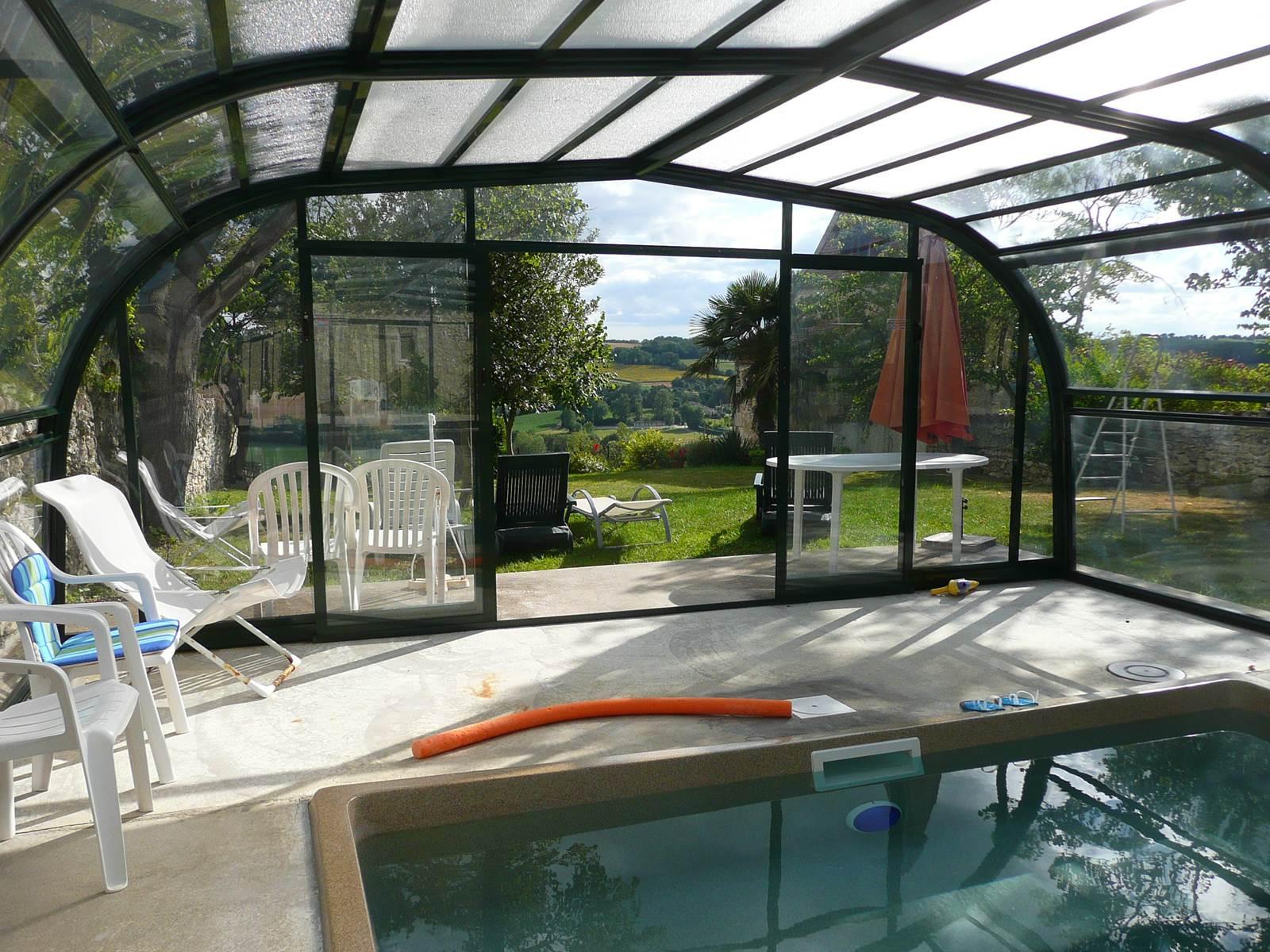 Saint Roch chambres d'hôtes piscine jardin vallée.jpg