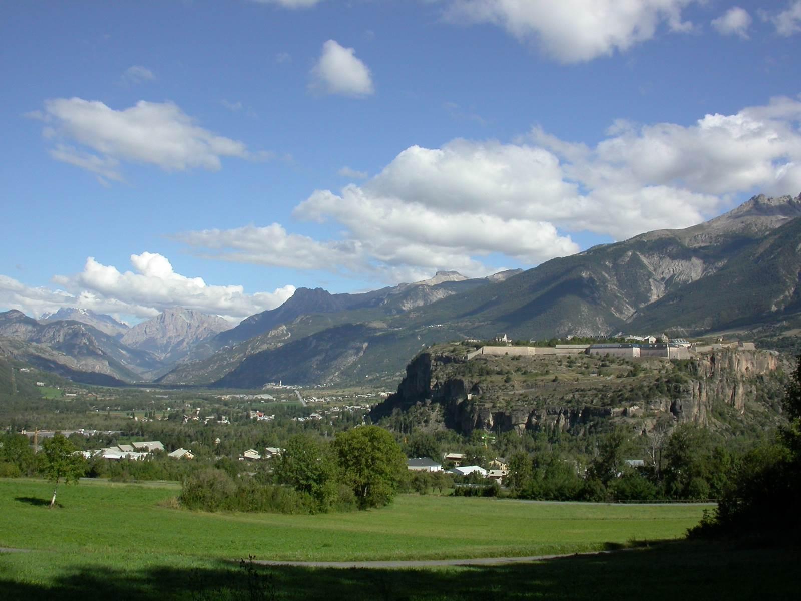 La vue vers Mont Dauphin