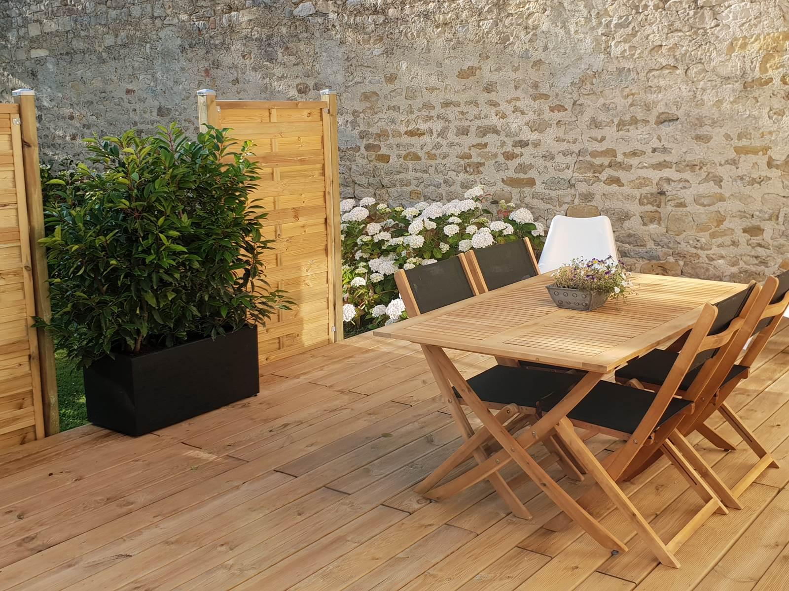 Terrasse privative du gîte Jeanne