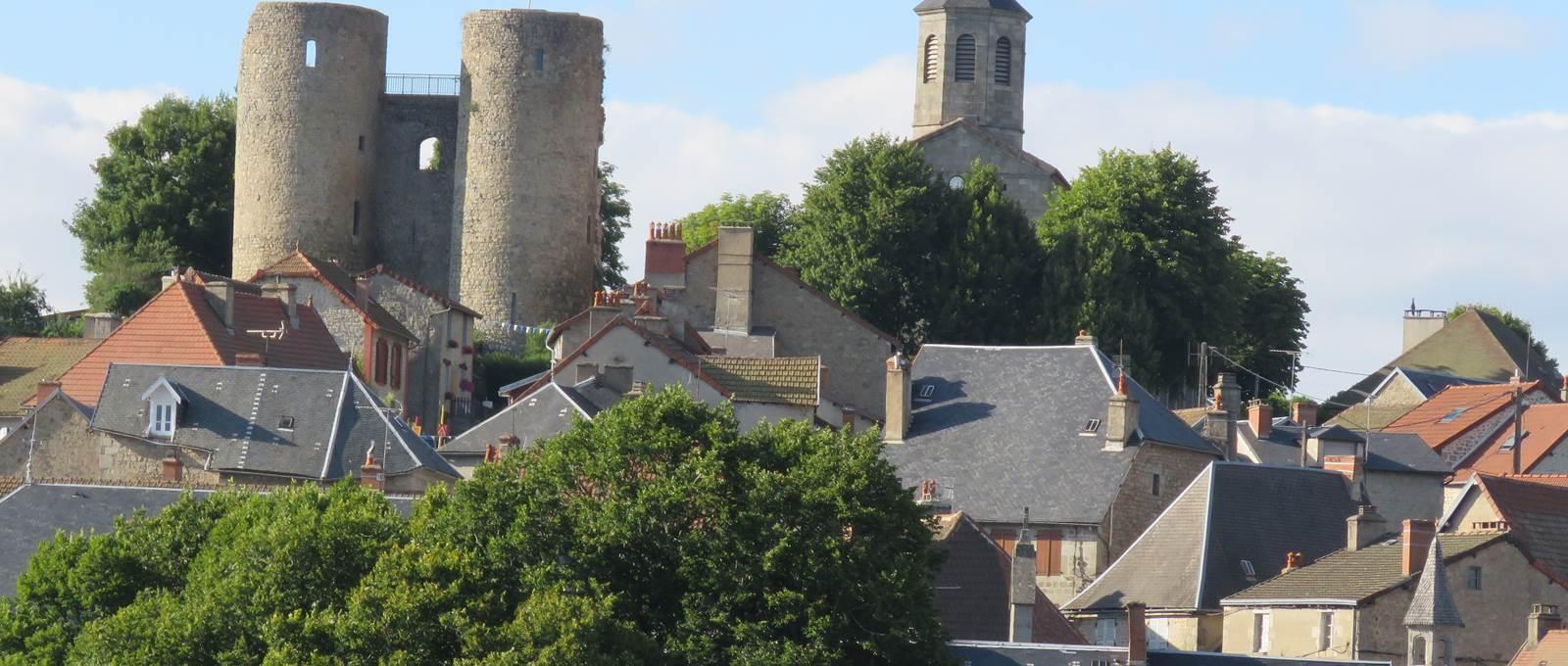 Crocq, petite cité médiévale en Creuse.