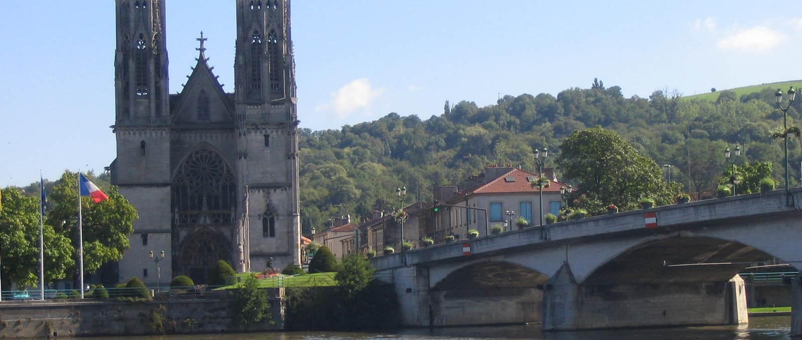 Eglise Saint Martin et Pont Gelot
