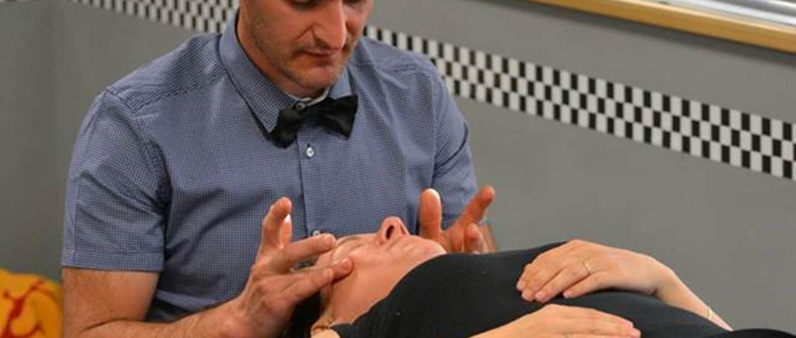 massage du visage avec José