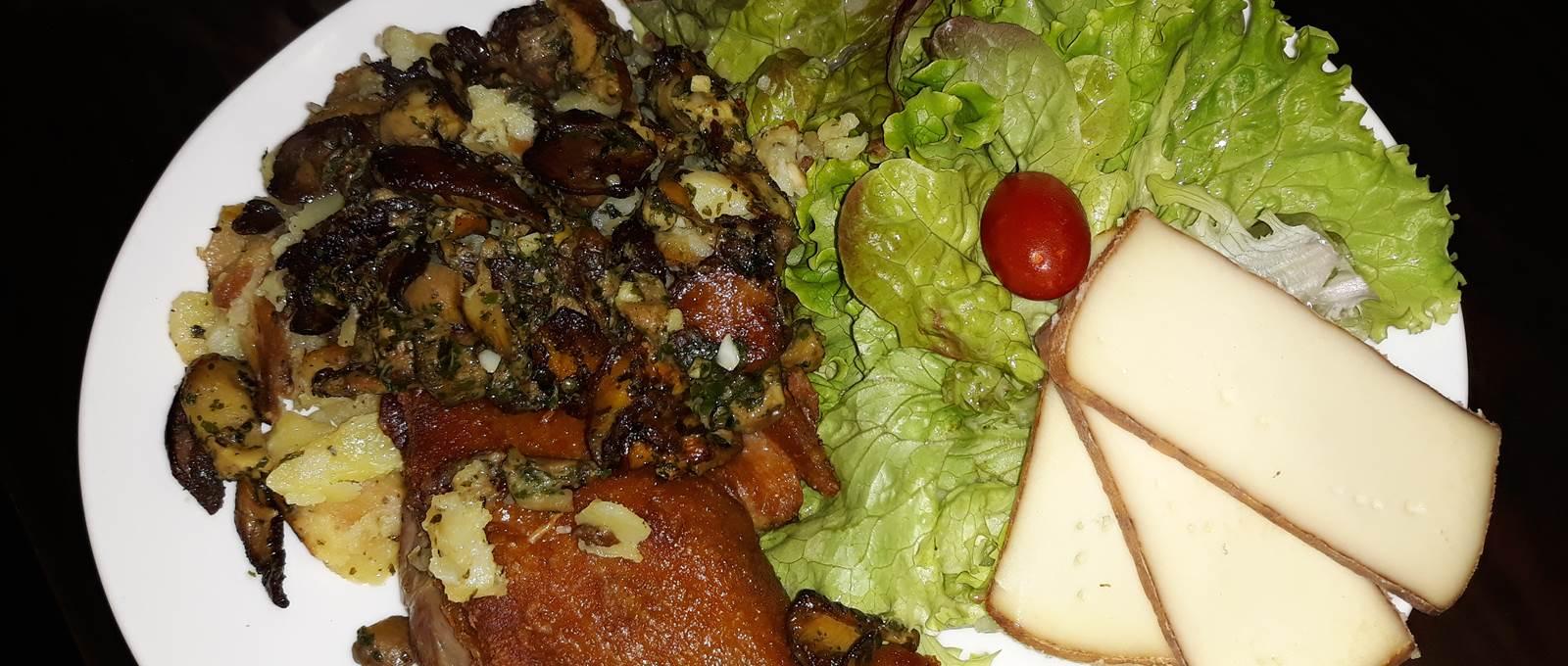 Assiette L' inévitable Restaurant Le Sully Perigord Vert