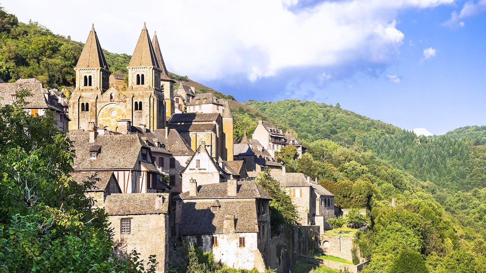 Conques et l'abbatiale Sainte-Foy