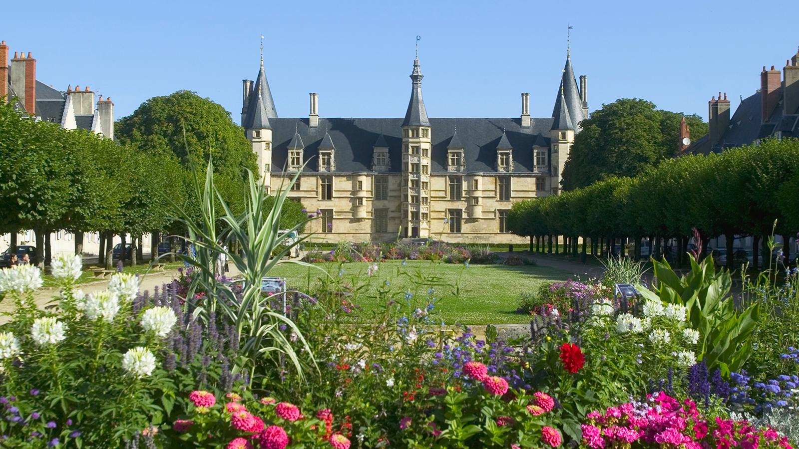 Nevers, ancienne cité ducale