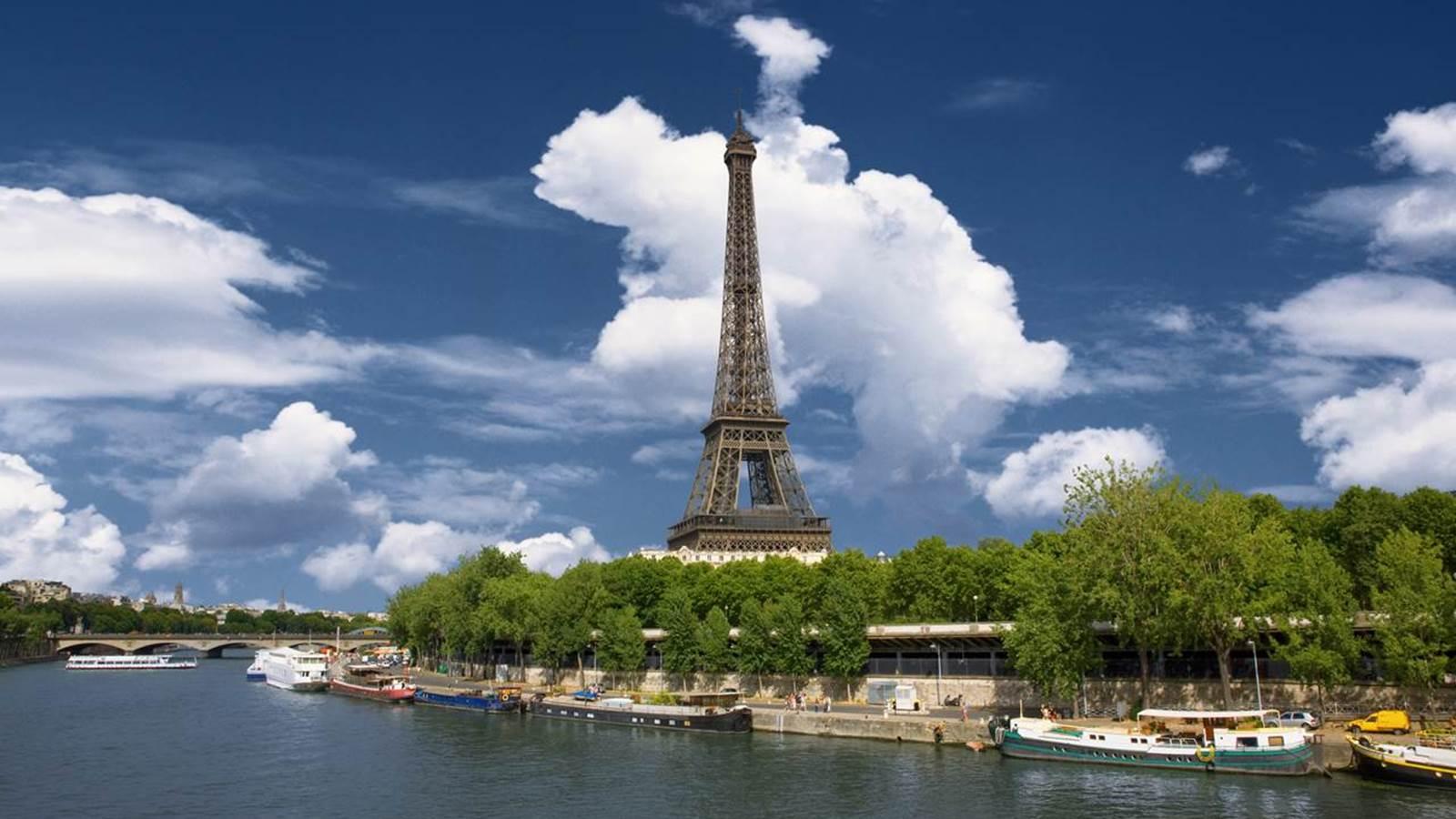 La Tour Eiffel et le Champ de Mars