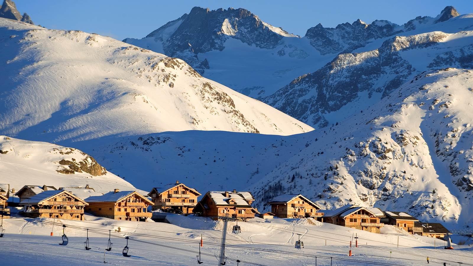 L'Alpe d'Huez, au cœur du massif des Grandes Rousses