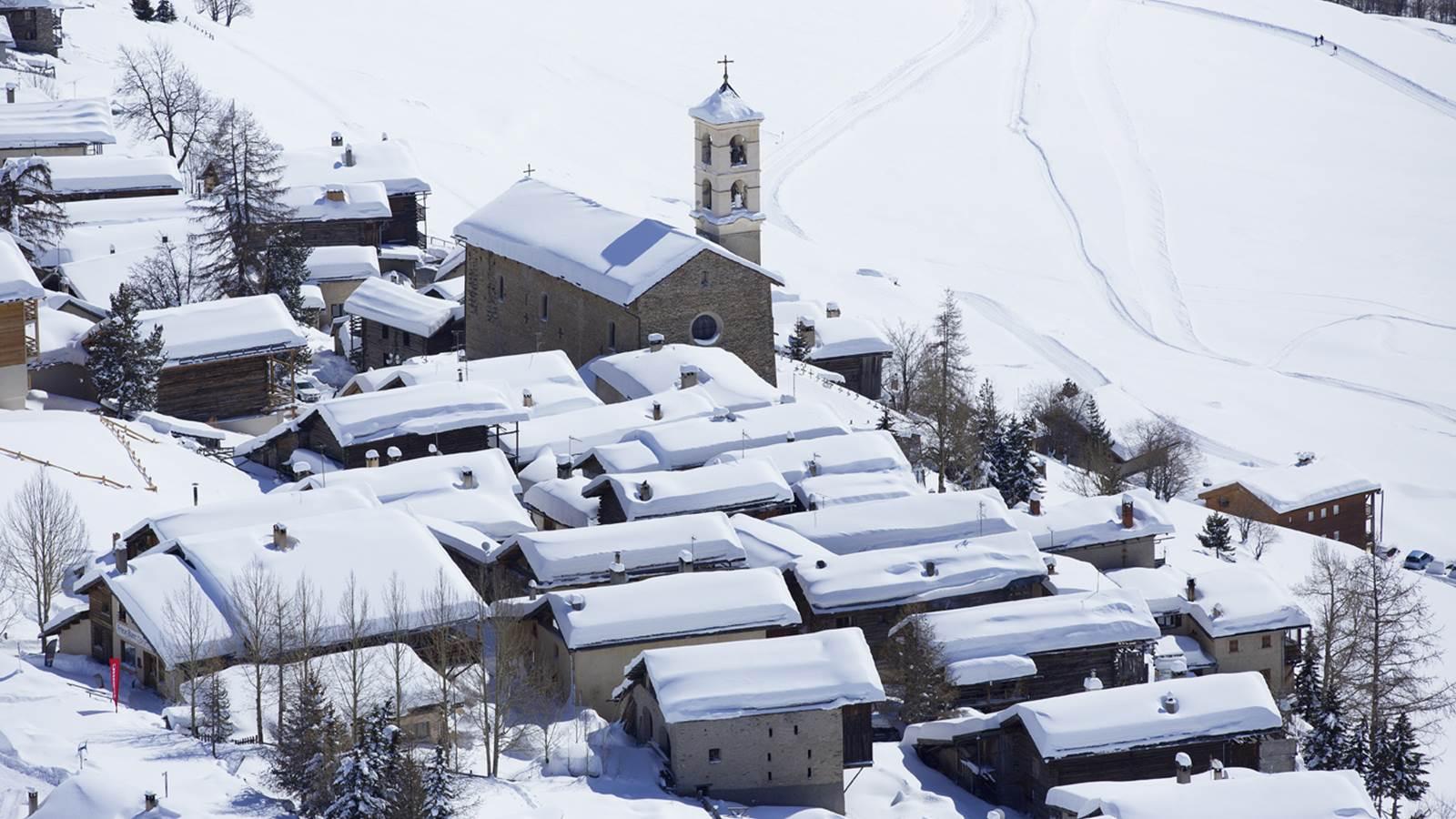 Saint-Véran, station au cœur Queyras, plus haute commune d'Europe et l'un des plus beaux villages de France