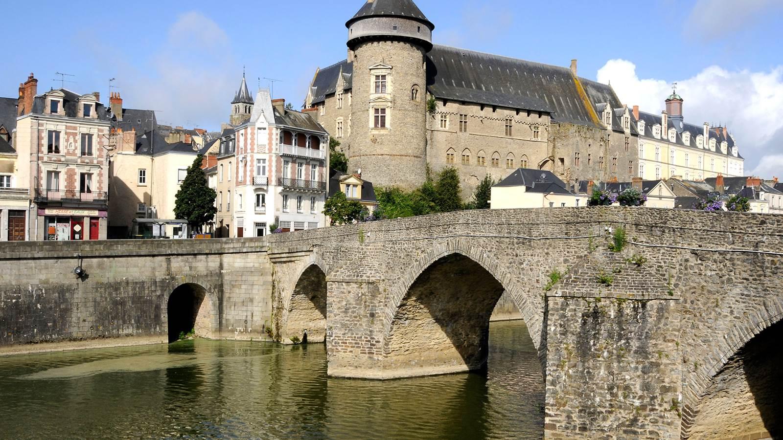 Laval et la vallée de la Mayenne