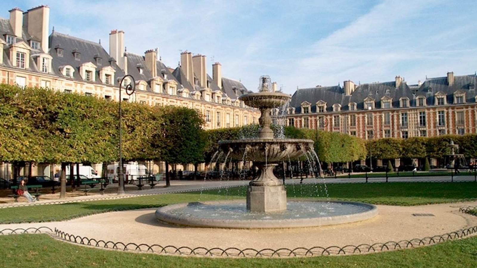 La place des Vosges et le quartier du Marais