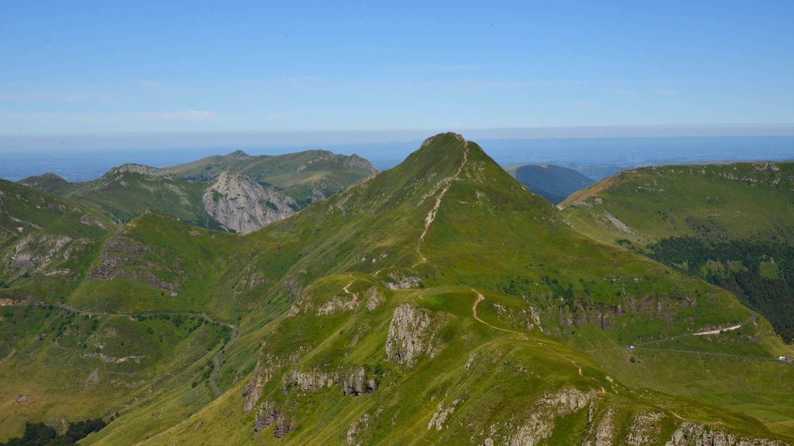 Le puy Mary et les Monts du Cantal